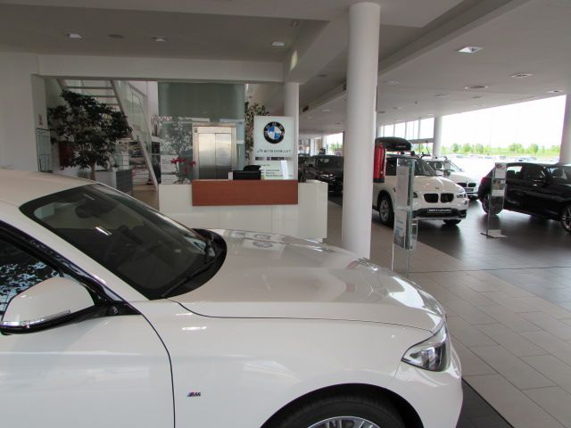 MOMENTUM - BMW 1