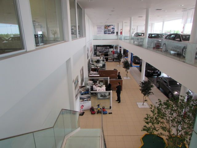 MOMENTUM - BMW 2