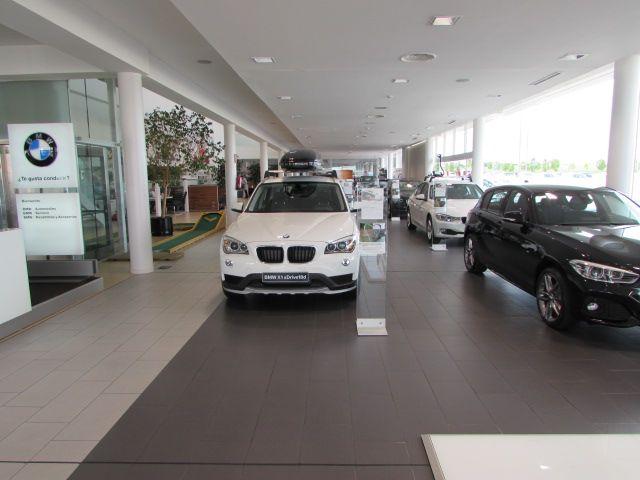 MOMENTUM - BMW 3