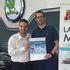 Entrega del bono de 5.000€ al ganador del sorteo 'El viaje de tus sueños'