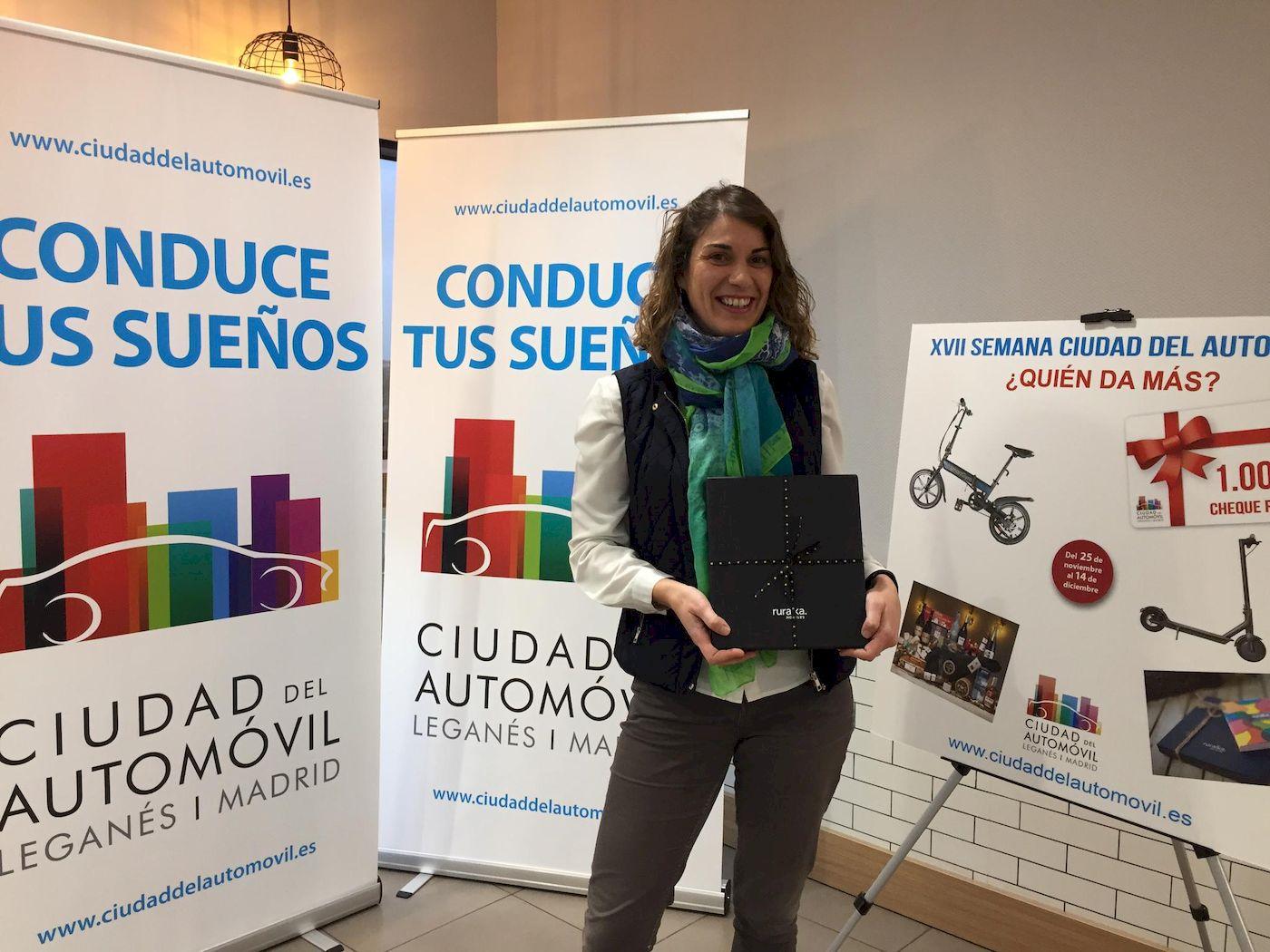 Entrega de regalos a los ganadores de la XVII SEMANA CIUDAD DEL AUTOMÓVIL