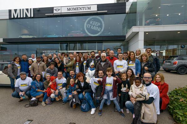 XI CONCENTRACIÓN MINI organizada por MOMENTUM en la Ciudad del Automóvil